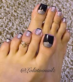 Modified french design in black and soft lilac winter nails French Manicure Toes, French Pedicure, Pedicure Nail Art, French Manicures, Pretty Toe Nails, Cute Toe Nails, Pretty Toes, Black Toe Nails, Fabulous Nails