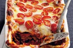 18x zapečené těstoviny | Apetitonline.cz Thing 1, Menu, Ethnic Recipes, Food, Lasagna, Menu Board Design, Essen, Meals, Yemek