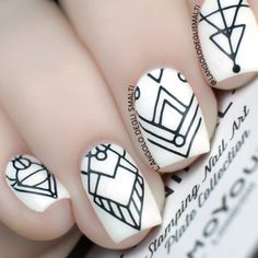 Black and White Minimal Nail Art feat. MoYou London Minimal Plate 05