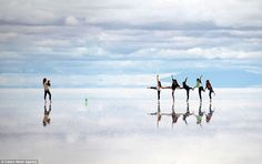 In the south of the desert plains of the Altiplano, Bolivia at an altitude of 3,650 m above sea level, lies a dried-up salt lake Salar de Uyuni.Its area is ​​10,582 km ², this is the largest salt marsh in the world. In the rainy season is covered with a thin layer of saline water and turns into a huge mirror.