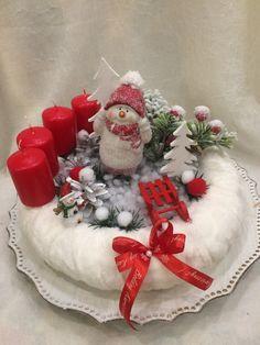 Outdoor Christmas, Winter Christmas, Christmas Home, Christmas Crafts, Christmas Decorations, Holiday Decor, Xmas, Christmas Advent Wreath, Holiday Wreaths