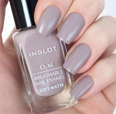 10 of The Best Halal Nail Polish Brands - Eluxe Magazine Best Nail Polish Brands, Halal Nail Polish, Nail Polish Hacks, Nail Polish Colors, Inglot Nail Polish, Glitter Gel Polish, Nail Polishes, Fingernails Painted, Nail Color Trends