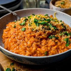 A deliciously moreish Creamy Tomato Risotto topped with crispy garlic breadcrumbs - made with mainly store cupboard ingredients. Vegetarian Salad Recipes, Vegetarian Entrees, Veggie Recipes, Indian Food Recipes, Italian Recipes, Spicy Chicken Recipes, Rice Recipes, Cooking Recipes, Dinner Recipes