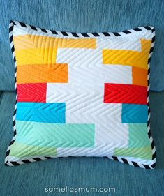 Sewing Cushions Samelia's Mum: Quilted Pillows for the Modern Quilt Tour with Riley Blake Designs - Sewing Pillows, Diy Pillows, Throw Pillows, Pillow Ideas, Cushion Ideas, Sofa Pillows, Patchwork Cushion, Quilted Pillow, Modern Pillows