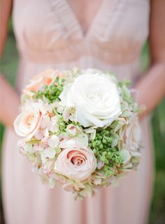 Bouquet recipe: white and blush roses, sweet pea and hydrangeas