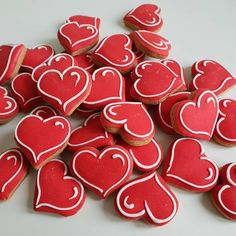 30 Excellent Valentines Day Cookies that are Hearty, Healthy & Happening - Glam . - 30 Excellent Valentines Day Cookies that are Hearty, Healthy & Happening – Glam Vapours - Cookies Cupcake, Valentine's Day Sugar Cookies, Fancy Cookies, Heart Cookies, Cut Out Cookies, Iced Cookies, Cute Cookies, Royal Icing Cookies, Heart Shaped Cookies
