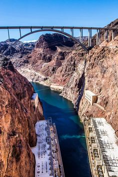One of the best day trips from Las Vegas is to Hoover Dam and Lake Mead Nevada. Check out 5 other things to do in the area, plus get travel tips on where to stay at Lake Mead, tours of Lake Mead and Hoover Dam, and much more! #LakeMead #Nevada #roadtrip #roadtrips #traveltips #familytravel
