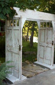 It's always fun doing projects that give new life to something old, and these are no exception. Old doors can be made into beautiful pergolas or arbors for garden entryways. I kept seeing one of thesefloating around on Pinterest and wanted to find more