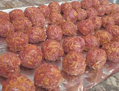 lo carb breakfast meat balls - I think I'd saute some garlic, onion and spinach to add to the 'meat' mixture, and sub in ground turkey - and use some sort of spice for additional flavor.