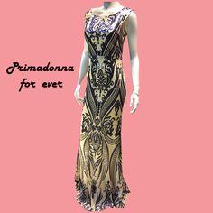 e0320c6aa845 Βραδινά φορέματα ·  Maxi φόρεμα εφαρμοστό με εντυπωσιακή ανοικτή πλάτη. Σε  δύο υπέροχους χρωματισμούς μπλέ και ροζ διακοσμείτε
