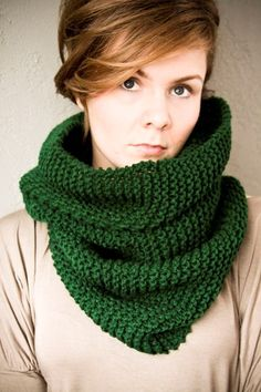 lovely.green.cowl. #green #knits