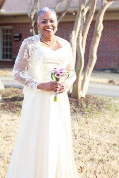 An Emotional Second Marriage in Tennessee - Munaluchi Bridal Magazine #gorgeousbride #maturebride