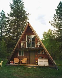Cabin of the day 🌲 Tiny House Cabin, Log Cabin Homes, Tiny House Living, Tiny House Design, A Frame House Plans, A Frame Cabin, Cabins In The Woods, House In The Woods, Triangle House