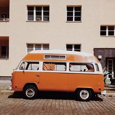 Orange VW / photo by Lindaberlin