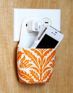 Recycled Mobile Phone Holder http://www.handimania.com/diy/recycled-mobile-phone-holder.html