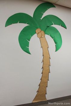Palm tree crafts for kids how to make 36 best ideas Paper Palm Tree, Palm Tree Crafts, Palm Trees, Palm Tree Decorations, Jungle Theme Decorations, Jungle Theme Classroom, Classroom Themes, Jungle Bulletin Boards, Ocean Themes