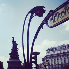 #paris #Placeclichy #metro #kids #kidsactivities #blog #momentoflife