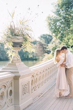 Trendy Wedding Themes In 2019 For Every Bridal Style ★ wedding themes fine art wedding Engagement Photo Poses, Engagement Outfits, Engagement Photo Inspiration, Fall Engagement, Engagement Shoots, Engagement Photography, City Engagement Photos, Wedding Themes, Wedding Menu