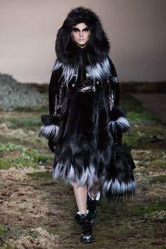 Alexander McQueen Ready To Wear Fall Winter 2014 Paris