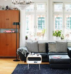 An artist's home in Malmo, Sweden. Image from Skona Hem.