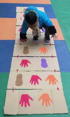 이미지: 사람 5명, 스포츠를 하는 사람들, 농구장 - craftIdea.org Physical Activities For Kids, Motor Skills Activities, Toddler Learning Activities, Preschool Activities, Games For Kids, Diy For Kids, Kids Learning, Montessori Toddler, Montessori Bedroom