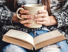 A cup of coffee and a book in hands, beautiful manicure. - A cup of coffee and a book in hands, beautiful manicure. Cozy atmosphere, stylis… A cup of coff - Hand Photography, Coffee Photography, Lifestyle Photography, Feminine Photography, Morning Photography, Photography Books, Clothing Photography, Portrait Photography, Lifestyle Fotografie