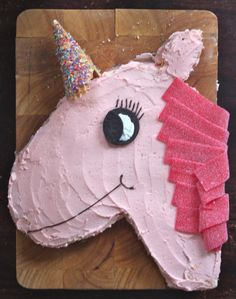 layla's ponies and unicorns party - the cake