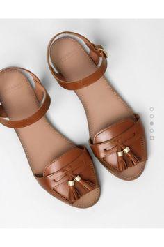 Pulland Bear basic tan flat sandals-- chic and cheap