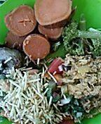 Salada Pinho+ moqueca de arraia+ beringela refogada com cebola caramelizada+ brócolis #diet #whole30 #paleo