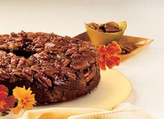 This is the Caramel-Pecan Chocolate Ring Cake recipe. Chocolate Rings, Chocolate Cake, Chimney Cake, Ring Cake, Pecan Cake, Yogurt Cake, Caramel Pecan, Cake Pans, Delicious Desserts