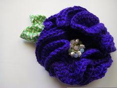 Crocheted Peony Brooch - free patterns