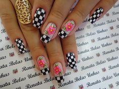 46 fotos de unhas decoradas preto e branco unhas francesinhas coloridas, modelos de unha francesinha Spring Nails, Summer Nails, Glitter Nail Art, Cool Nail Art, Mani Pedi, Beauty Nails, Nail Art Designs, Acrylic Nails, Finger