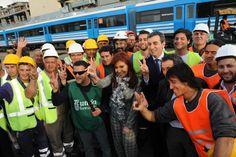 Recibimos las primeras cinco formaciones para la línea Mitre, en el puerto de Buenos Aires. Cuidemos los trenes, son de todos -- https://www.facebook.com/media/set/?set=a.799622116768992.1073742058.115689108495633&type=3