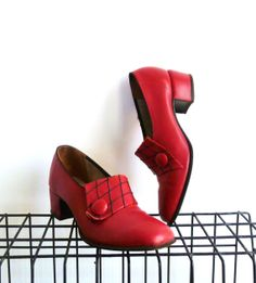 Art Deco Red Shoes 30s 40s Pumps Heels Leather Loafers Size 6 1/2