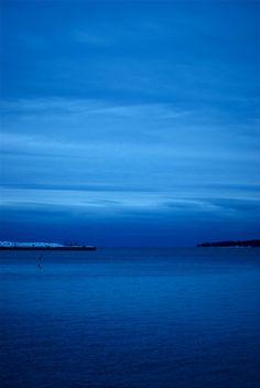 El mar. La mar.  El mar. ¡Sólo la mar!  Rafael Alberti