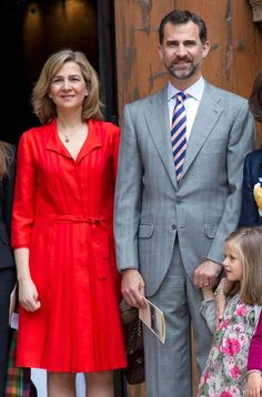 King Felipe boosts scandal-hit crown in changing Spain - Yahoo News