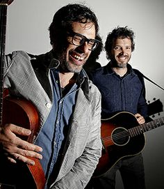 Conchords bat for theatre  Jemaine and Bret show their support. Flight of the Conchords members Bret McKenzie and Jemaine Clement reminisce about their times at Bats Theatre before playing a gig to fundraise for the theatre's refurbishment. Go to: www.stuff.co.nz for Video
