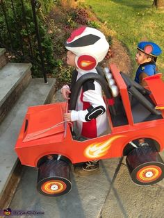 Daniel: My son Lucas is in love with Blaze and the Monster Machines. I have enjoyed making his costume for the last 3 years and this year was no exception. I...