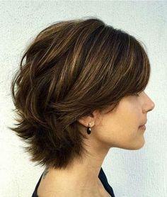 Kısa Katlı Saç Modelleri 9 - Short Layered Haircuts, Short Hairstyles For Thick Hair, Short Hair With Layers, Bob Haircuts, Bob Hairstyles, Simple Hairstyles, Short Bobs, Short Thick Wavy Hair, Thick Coarse Hair