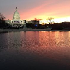 Sunrise behind the US Capitol this morning. From @NBCNews