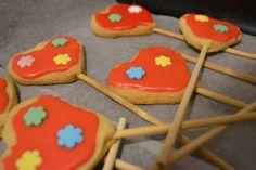 Herz am Stiel DIY Sugar, Cookies, Desserts, Food, Never Too Old, Treats, Biscuits, Heart, Homemade