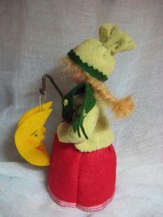 Jahreszeitentisch - Laternenkind f.d.. Waldorf-Jahreszeitentisch - ein Designerstück von Blumenkinder-Unikate bei DaWanda