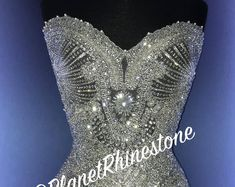 Bling Wedding, Wedding Jewelry, 21st Bday Ideas, Bridal Dresses, Prom Dresses, Carnival Outfits, Thing 1, Weeding Dress, Rhinestone Appliques