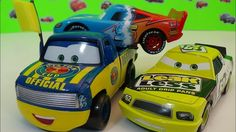 Disney/Pixar Cars Claude Dexter Hoover with Yellow Flag  Die-Cast TRAILE...