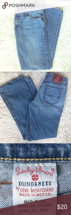 ☘️Lucky Brand Dungarees Jeans Size 30☘️ Lucky Brand Dungarees Jeans Size 30 Mid Rise Great condition Non-smoking home Original owner Lucky Brand Jeans