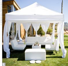 Outdoor Lounge Area -- Love the shade Lounge Party, Wedding Lounge, Chapel Wedding, Tent Decorations, Wedding Decorations, Havana Nights Party, Luxury Wedding Decor, All White Party, Lounge Decor