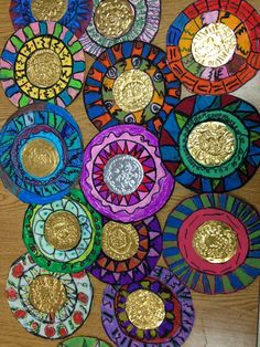 Grade Mexican Mirrors (Patterns unit and hispanic heritage month) Classe D'art, Hispanic Art, 2nd Grade Art, Spanish Art, Aztec Art, Ecole Art, Foil Art, School Art Projects, Mexican Folk Art