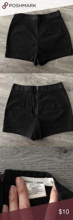 Silence + noise high waist shorts Black, high-waisted shorts with zipper back closure. Size 4 (like US 0) silence + noise Shorts