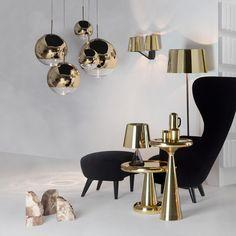 Das Goldene Modell Der Klassischen Mirror Ball Pendelleuchte Des Britischen  Designers @tomdixonstudio Schafft Pure Eleganz