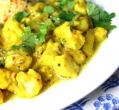 Oppskrift Hjemmelaget Indisk Gryte Aloo Gobi Masala Krydder Potet Blomkål Aloo Gobi, Soup Recipes, Potato Salad, Cauliflower, Potatoes, Vegetables, Ethnic Recipes, Food, Drink